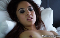 TEEN ASIAN MILA JADE JERK OFF
